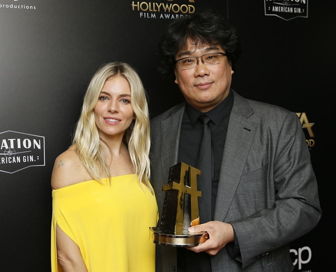 """Bong Joon-ho, """"The Parasite"""" win """"The Critics' Awards"""", 4(four) gold medals in Georgia."""